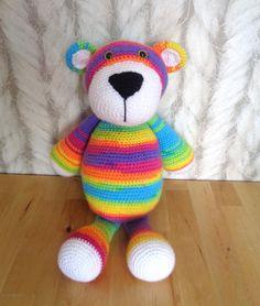 Bekijk dit items in mijn Etsy shop https://www.etsy.com/listing/264636156/crochet-bear-bram-beer-stip-en-haak