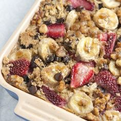 baked oatmeal with strawberries, bananas and chocolate chips. so perfect for a sweet but healthy lazy sunday breakfast!