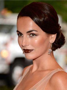 perfect hair, dark lips. #Beauty