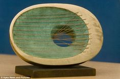 The 80000 sculpture Oval Form pictured was originally used as a prize for academic achievement before it became one of the worlds most expensive paperweights Modern Sculpture, Sculpture Art, Sculptures, Barbara Hepworth, English Artists, Beautiful Artwork, Paper Weights, Surface Design, Art Pieces