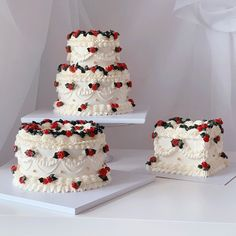 Pretty Birthday Cakes, Pretty Cakes, Pastry Design, Kawaii Dessert, Heart Shaped Cakes, Cute Desserts, Dessert Decoration, Just Cakes, Sweet Cakes