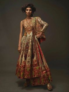 Pakistani fashion is everything. Asian Fashion, High Fashion, Cool Outfits, Fashion Outfits, Fashion Trends, Costume Design, Traditional Outfits, Gowns, Couture