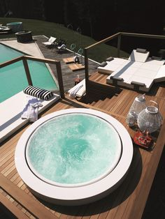 Overflow outdoor hot tub MINIPOOL | Built-in hot tub - @zucchettikos