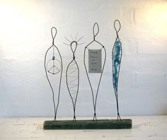 Wire Sculpture Peace and Love  Rustic Driftwood by idestudiet.  Recommended by TulipArt Il – help4Etsy & more  https://www.facebook.com/tulipartil