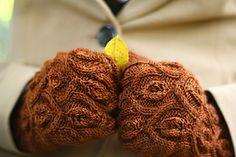 Ivy Trellis Mittens Pattern by Alana Dakos on Ravelry! She has GORGEOUS patterns!
