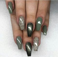 Most Sexy and Trendy Prom and Wedding Acrylic Nails and Matte Nails for this Season - Amately Wedding Acrylic Nails, Fall Acrylic Nails, Green Nail Polish, Green Nails, Gel Polish, Fabulous Nails, Gorgeous Nails, Amazing Nails, Stylish Nails