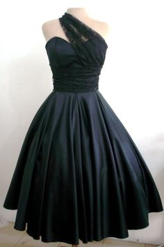 1950's cocktail dresses are stunning......  I am in love!!!! I need this in my closet! :)