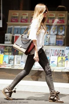 Celine + Isabel Marant + skinnies and white blouse. Look Street Style, Street Styles, Isabel Marant, Glamour, Your Turn, Casual Chic, Autumn Winter Fashion, What To Wear, Your Style