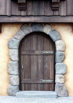 Miniature door - scale by Randy Hage, via F Fairy Tree, Fairy Doors, Miniature Houses, Miniature Dolls, Fairy Houses, Doll Houses, Paper Clay, Dollhouse Furniture, Log Furniture