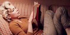 100 потрясающих книг для долгих зимних вечеров - https://lifehacker.ru/2016/12/29/100-good-books/