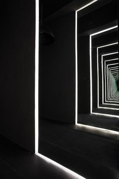 :: HOTELS :: INTERIORS :: Designer:  Joseph Dirand  Project: Capital Hotel, Mexico City  ENTRANCE MIRRORS / photo © Adrien Dirand, courtesy of DISTRITO CAPITAL #hotels #interiors #black