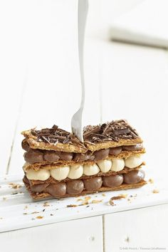 Coffee and chocolate millefeuille - Healthy Food Mom Mini Desserts, Just Desserts, Gourmet Recipes, Sweet Recipes, Dessert Recipes, Cupcake Cakes, Cupcakes, French Patisserie, British Baking