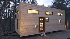 Ever fancied living on the road? While most of us might not be inclined to do so this mobile home might just change your mind.