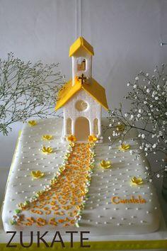 tortas decoradas comunion de nena - Buscar con Google Fondant Cakes, Cupcake Cakes, Comunion Cakes, Confirmation Cakes, Baptism Cakes, First Communion Cakes, Creative Cake Decorating, Sugar Craft, Occasion Cakes