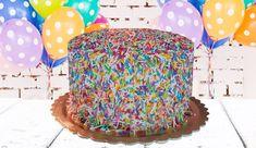 עוגת 4 שכבות של עוגת ספוג בטעם וניל, עטופה כולה בקרם משגע ובסוכריות צבעוניות בכל צבעי הקשת. גם בכל שכבת וניל טעימה! ערבבנו סוכריות צבעוניות המוסיפות לחגיגיות ולשמחה כאשר פורסים את העוגה. עוגה מקסימה ליום ההולדת. @YesChefcoil