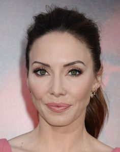 """Whitney Cummings – """"Unforgettable"""" Premiere in LA – - Celebrity Nude Leaked! Whitney Cummings, Celebrity Photos, Comedians, Makeup Ideas, Inspire, Characters, Photo And Video, Celebrities, Women"""