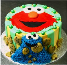 Elmo and cookie monster cake from yuki bakery in Montreal