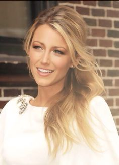 Besides being physically beautiful, having a healthy body image and dressing like a bombe shell - Blake Lively is my style crush because she is radiant and always smiling.  She just looks like a happy person