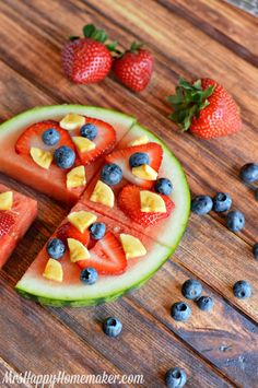 Fruit Pizza simply made with watermelon & your choice of other fruits. Healthy, delicious, & so easy even the kids can do it!