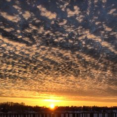 Winter sun.   #lakeminnetonka #minnesota #mn #tonka #lakelife #lake #minnetonka #orono #arcolabridge #arcola #mnlakelife #sun #sky #sunset #winter #snow #clouds #nature #dakotatrail #shoreline #january