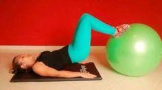 Ponte com bola é um exercício de Pilates para modelar o corpo