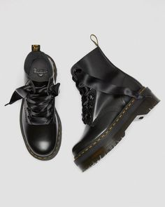 #docmartensoutfits Dr. Martens, Botas Doc Martens, Doc Martens Stiefel, Doc Martens Outfit, Doc Martens Style, Dr Shoes, Cute Shoes, Me Too Shoes, Oxford Shoes