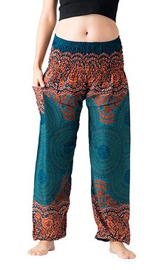 Discover recipes, home ideas, style inspiration and other ideas to try. Curvy Outfits, Chic Outfits, Plus Size Outfits, Boho Summer Outfits, Hippie Outfits, Plus Size Harem Pants, Gipsy Fashion, Boho Plus Size, Boho Pants