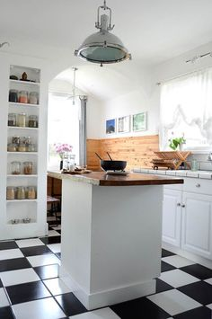 Built-In Storage You Can Squeeze Between Wall Studs Built-In Recessed Storage Ideas Petite Kitchen, Aqua Kitchen, Kitchen Dining, Diy Kitchen, Kitchen Island, Kitchen Floor, Dining Room, Kitchen Wall Panels, Kitchen Shelves