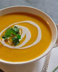 Creamy Pumpkin Soup - This easy vegetarian soup recipe is made with canned pumpkin and can be made a day ahead. Pumkin Soup, Pumpkin Bisque, Creamy Pumpkin Soup, Easy Pumpkin Soup Recipe, Recipes With Canned Pumpkin, Pumpkin Spice, Fall Recipes, Wine Recipes, Cooking Recipes