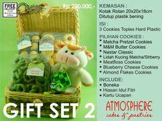 Idul Fitri Cookies Gift Set 2 | Price : 230 K nett | Content : 3 Cookies in Hardcase Plastic | Packaging: Rattan Box | Incl: Doll, Decoration & Greeting Card | Free Delivery for BDG area