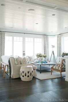Gorgeous coastal living room decorating ideas (48)