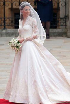Kate Middleton's wedding dress causes controversy... ils se sont appercus que c' est une copie de ma robe :P