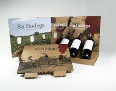 Bodegon expositor de vino con 3 cartelas diferentes
