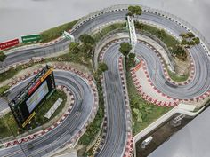 Slot Mods Raceway may steal the show at RM's Abu Dhabi sale. Slot Car Race Track, Slot Car Racing, Slot Car Tracks, Dirt Track Racing, Slot Cars, Drag Racing, Auto Racing, Formula 1 Gp, Scalextric Track