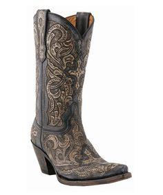 wow, such intricate details! love these boots!