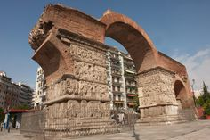 Arch of Galerius (Kamara), Thessaloniki Ancient Monument Greece Tours, Greece Travel, Cultural Capital, Ancient Ruins, Ancient History, Roman Empire, Countries Of The World, Where To Go, Monument Valley