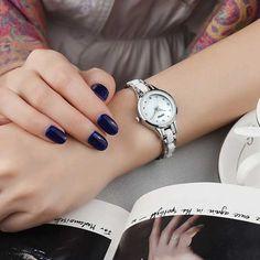 Elegáns Kimio karóra rozsdamentes acél szíjjal melynek közepe fehér kerámiabetéttel díszített. Oras, Watches, Accessories, Fashion, Moda, Wristwatches, Fashion Styles, Clocks, Fashion Illustrations