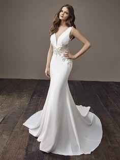 Courtesy of Badgley Mischka Wedding Dresses; www.badgleymischka.com