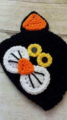 Crochet Baby Halloween Black Cat Hat Beanie by ModernCrochetBaby by pflinn Crochet Baby Halloween, Halloween Crochet Patterns, Crochet Fall, Holiday Crochet, Cute Crochet, Crochet Baby Clothes, Crochet Baby Hats, Crochet Beanie Hat, Knitted Hats