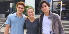 """#Riverdale's newest student is... #Supergirl star @MelissaBenoist?…"