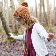 FREE Pattern - Crocheted Beanie Bonnet in three sizes! All Free Crochet, Love Crochet, Crochet For Kids, Knit Crochet, Newborn Crochet, Crochet Baby Booties, Crochet Beanie, Crochet Patterns For Beginners, Easy Crochet Patterns