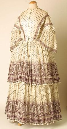 Day dress of cotton muslin print, European, 1850's. Manchester Art Gallery, accession nr. 1922.1887