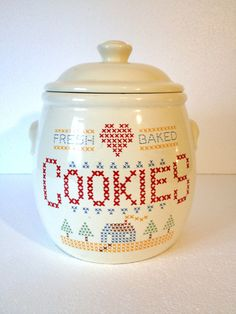Vintage Cookie Jar Treasure Craft Cross Stitch par ShaginyAndTil