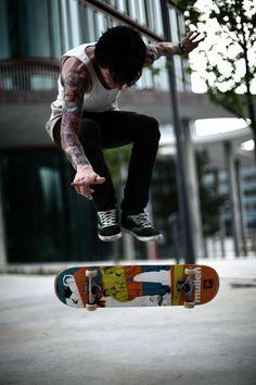 Skateboarding || www.7shores.com @seven_shores