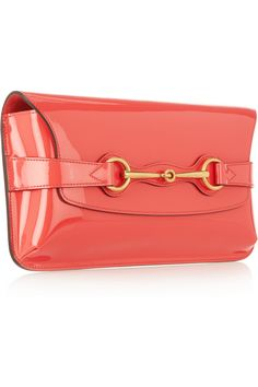 b1f80f2865cf Gucci - Patent-leather envelope clutch