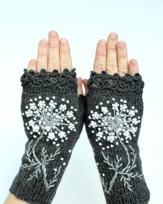 Gray And White Gloves With Flowers, Knitted Fingerless Gloves, Embroidered, Gloves & Mittens, Gift I Crochet Gloves Pattern, Crochet Mittens, Knitting Accessories, Winter Accessories, Best Winter Gloves, Fingerless Gloves Knitted, Wrist Warmers, White Gloves, Embroidery