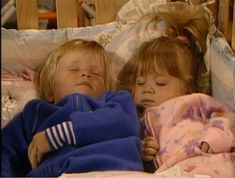 Michelle and Howie- Full House Full House Episodes, Tv Episodes, Cher Horowitz, Sabrina Carpenter, Sisters Tumblr, Full House Michelle, Full House Tv Show, Michelle Tanner, Cute Kids Photography
