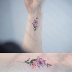 Floral micro-tattoo by Sol. #Sol #flower #floral #subtle #micro #microtattoo #tiny #feminine #mini #southkorean