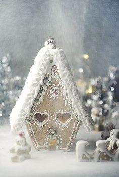 queenbee1924:  (via christmas | ❆ Silver & Gold Christmas ❆)