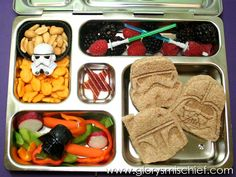 Cool Star Wars Kids School Lunch - I love the cookie cutter used on the sandwiches. I think I need to order those...